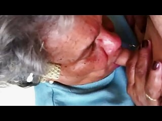 Watch - Granny Give a nice blowjob