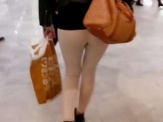 Watch - Arabic girl perfect ass in mall